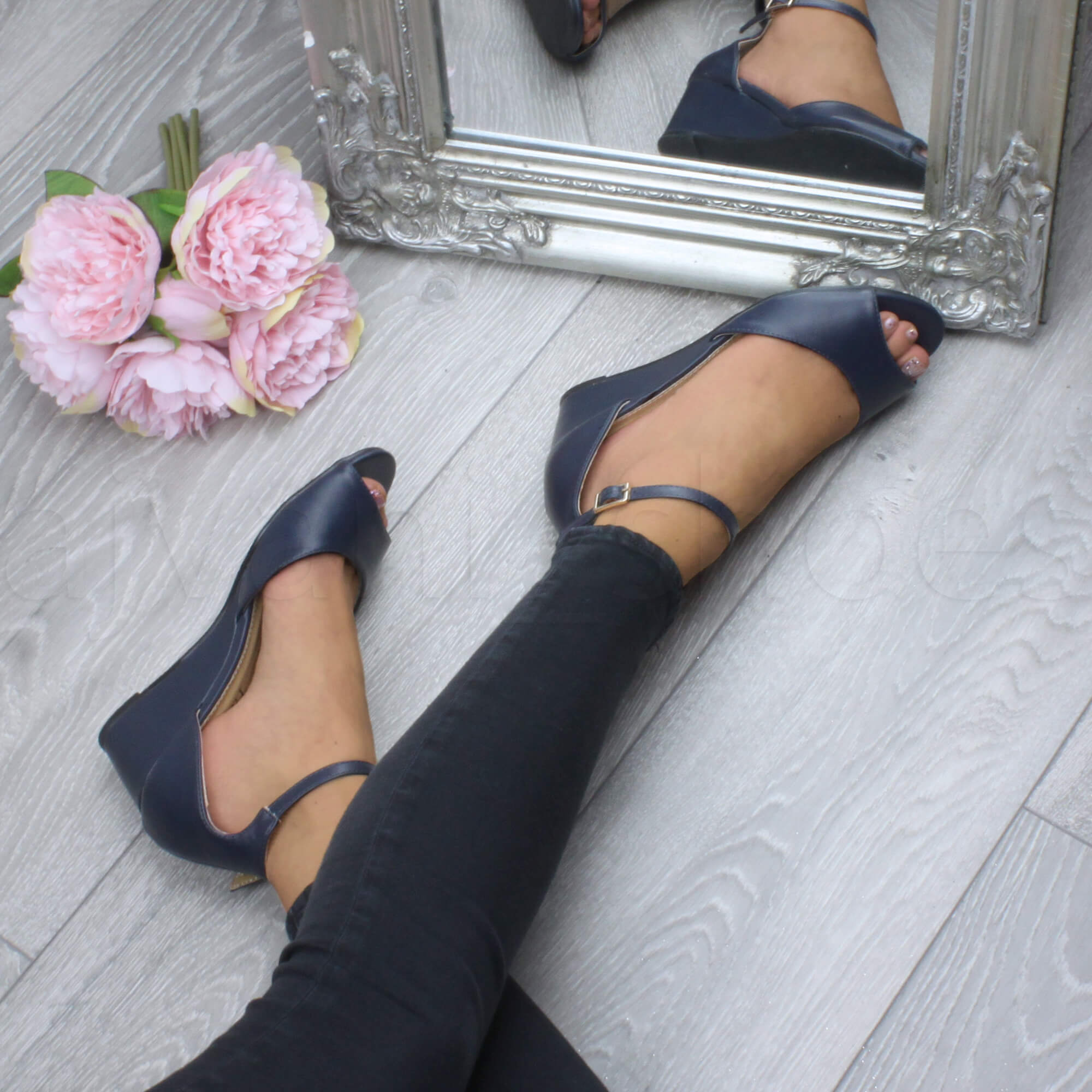 WOMENS-LADIES-LOW-MID-WEDGE-HEEL-ANKLE-STRAP-SMART-CASUAL-EVENING-SANDALS-SIZE thumbnail 86