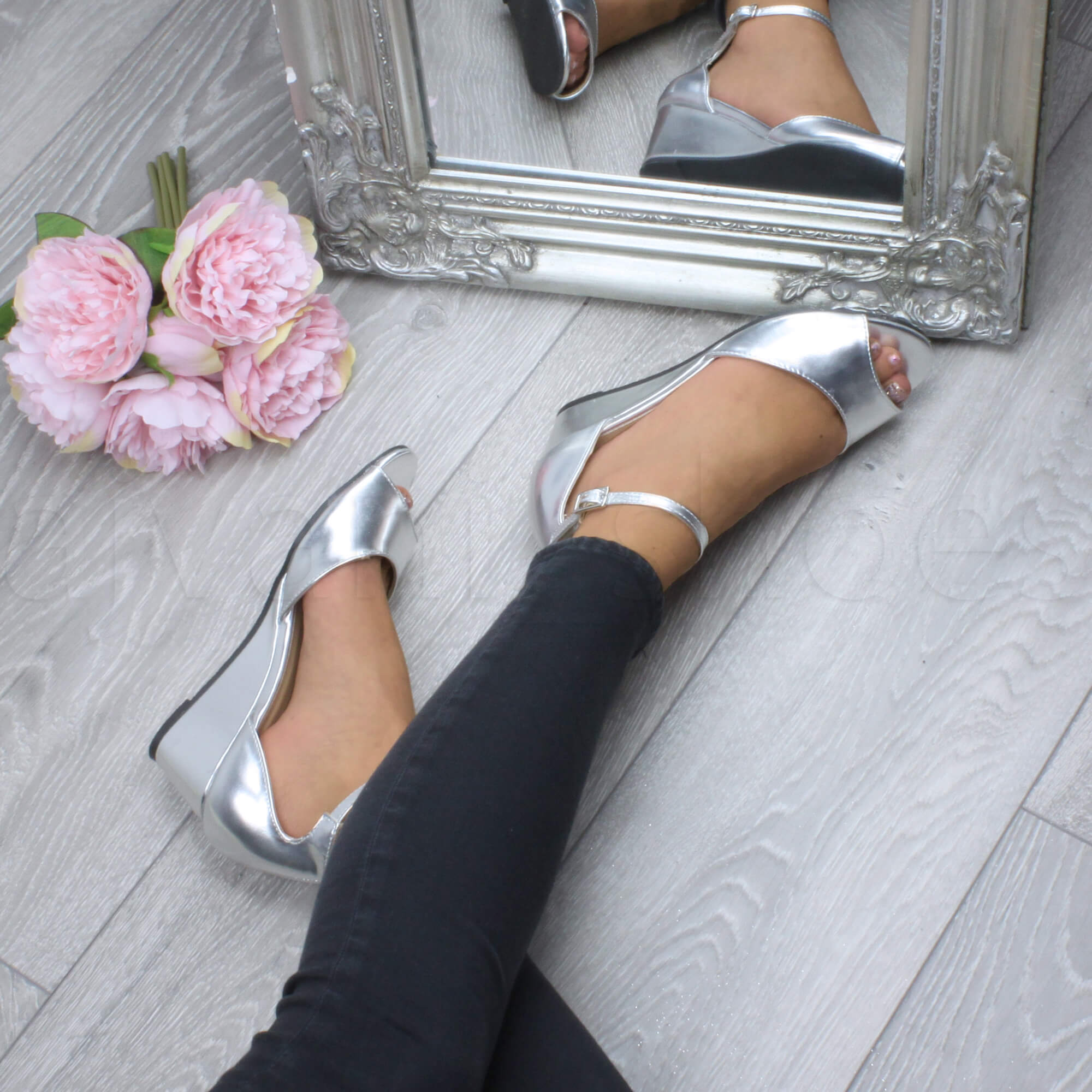 WOMENS-LADIES-LOW-MID-WEDGE-HEEL-ANKLE-STRAP-SMART-CASUAL-EVENING-SANDALS-SIZE thumbnail 150
