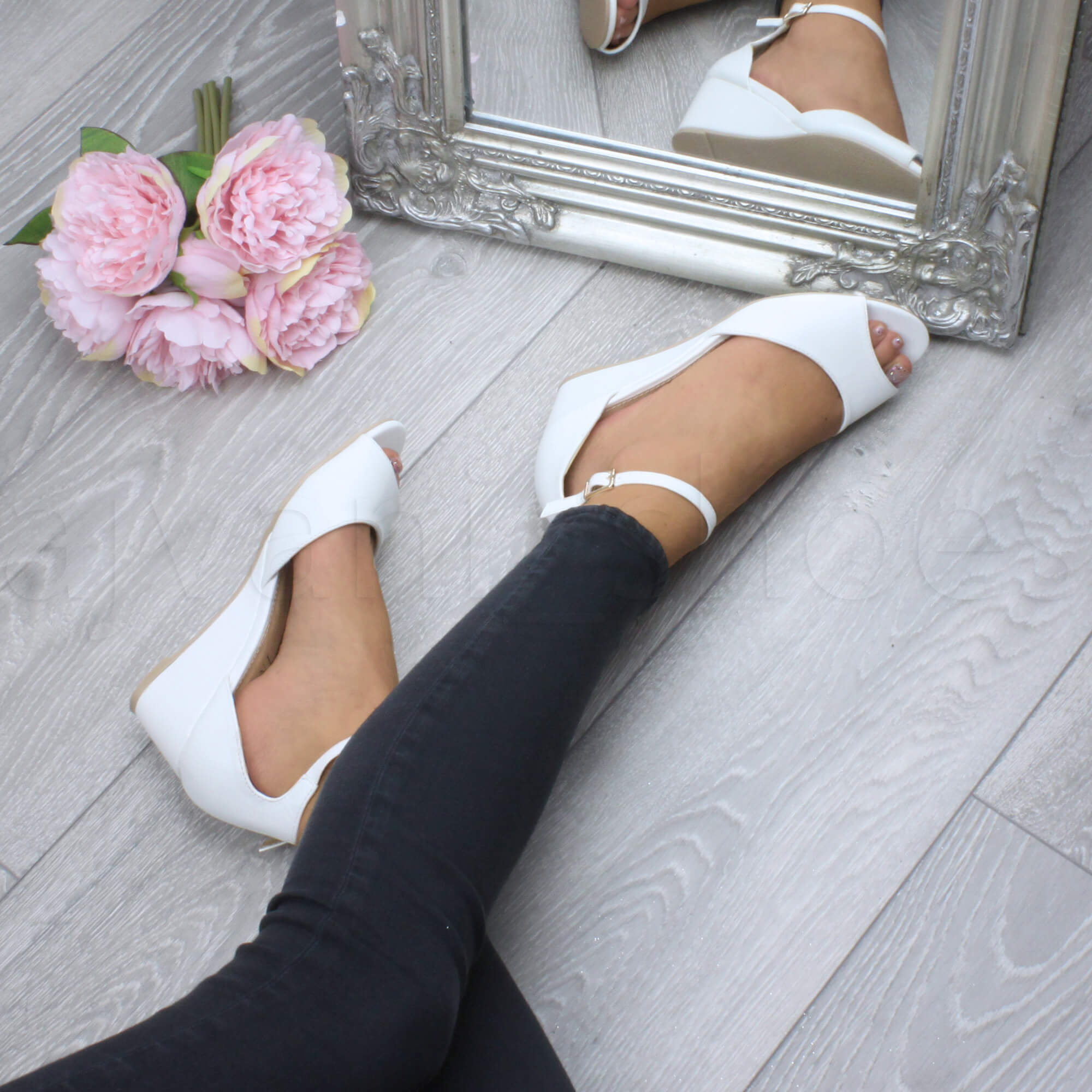 WOMENS-LADIES-LOW-MID-WEDGE-HEEL-ANKLE-STRAP-SMART-CASUAL-EVENING-SANDALS-SIZE thumbnail 166