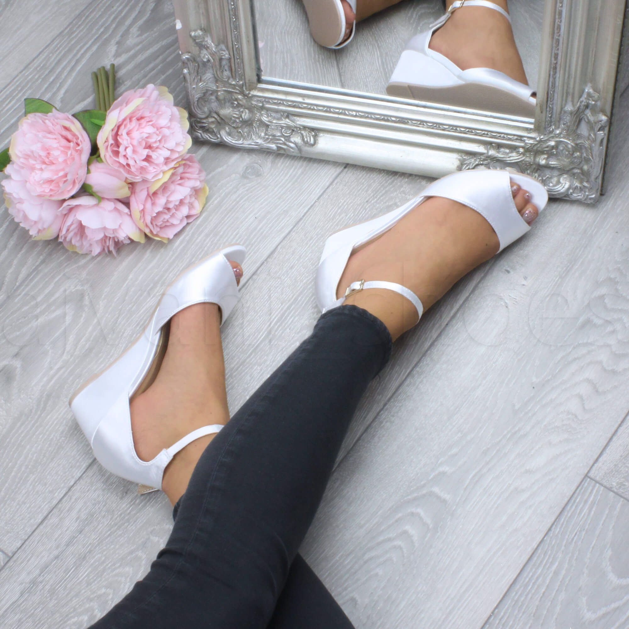 WOMENS-LADIES-LOW-MID-WEDGE-HEEL-ANKLE-STRAP-SMART-CASUAL-EVENING-SANDALS-SIZE thumbnail 174