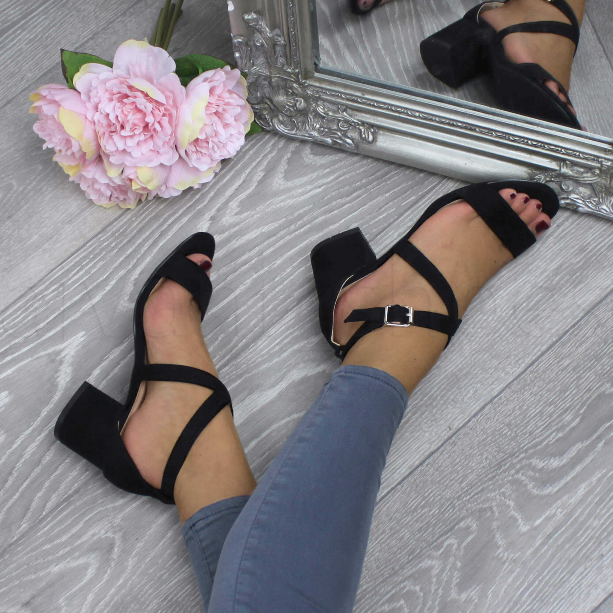 WOMENS-LADIES-MID-LOW-BLOCK-HEEL-CROSS-STRAPS-PARTY-STRAPPY-SANDALS-SHOES-SIZE thumbnail 8