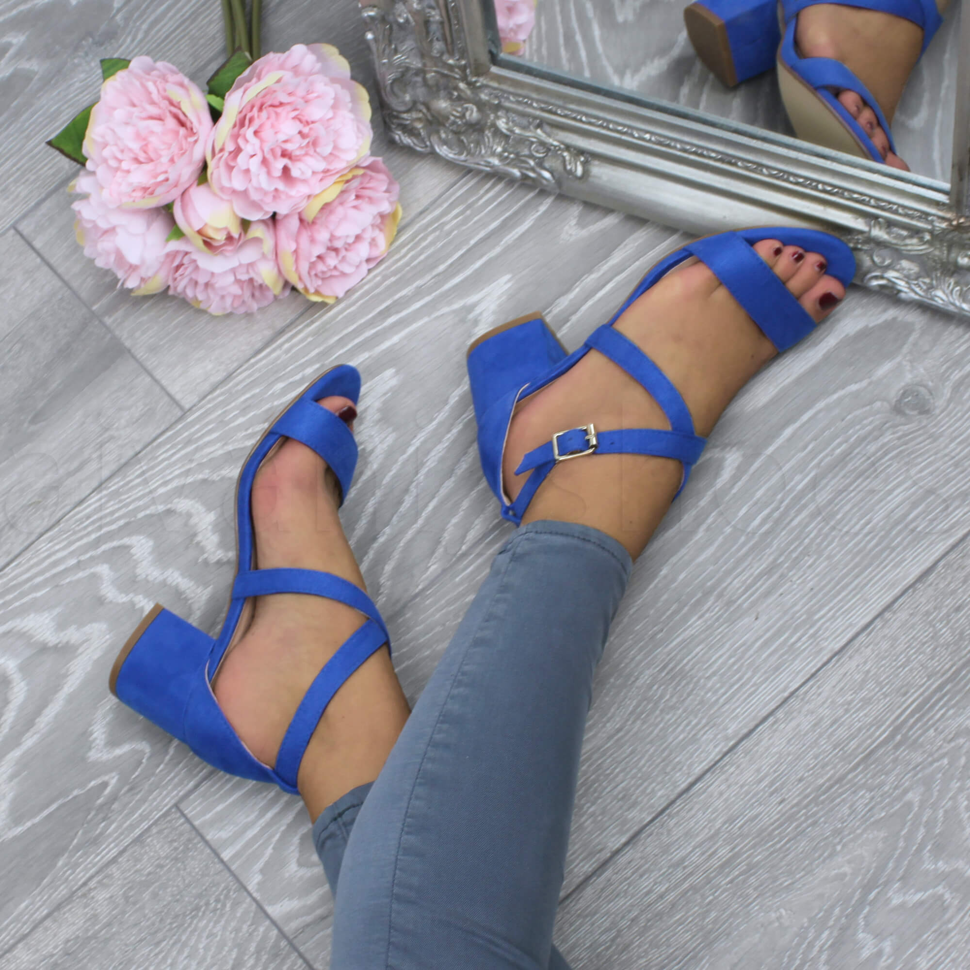 WOMENS-LADIES-MID-LOW-BLOCK-HEEL-CROSS-STRAPS-PARTY-STRAPPY-SANDALS-SHOES-SIZE thumbnail 16