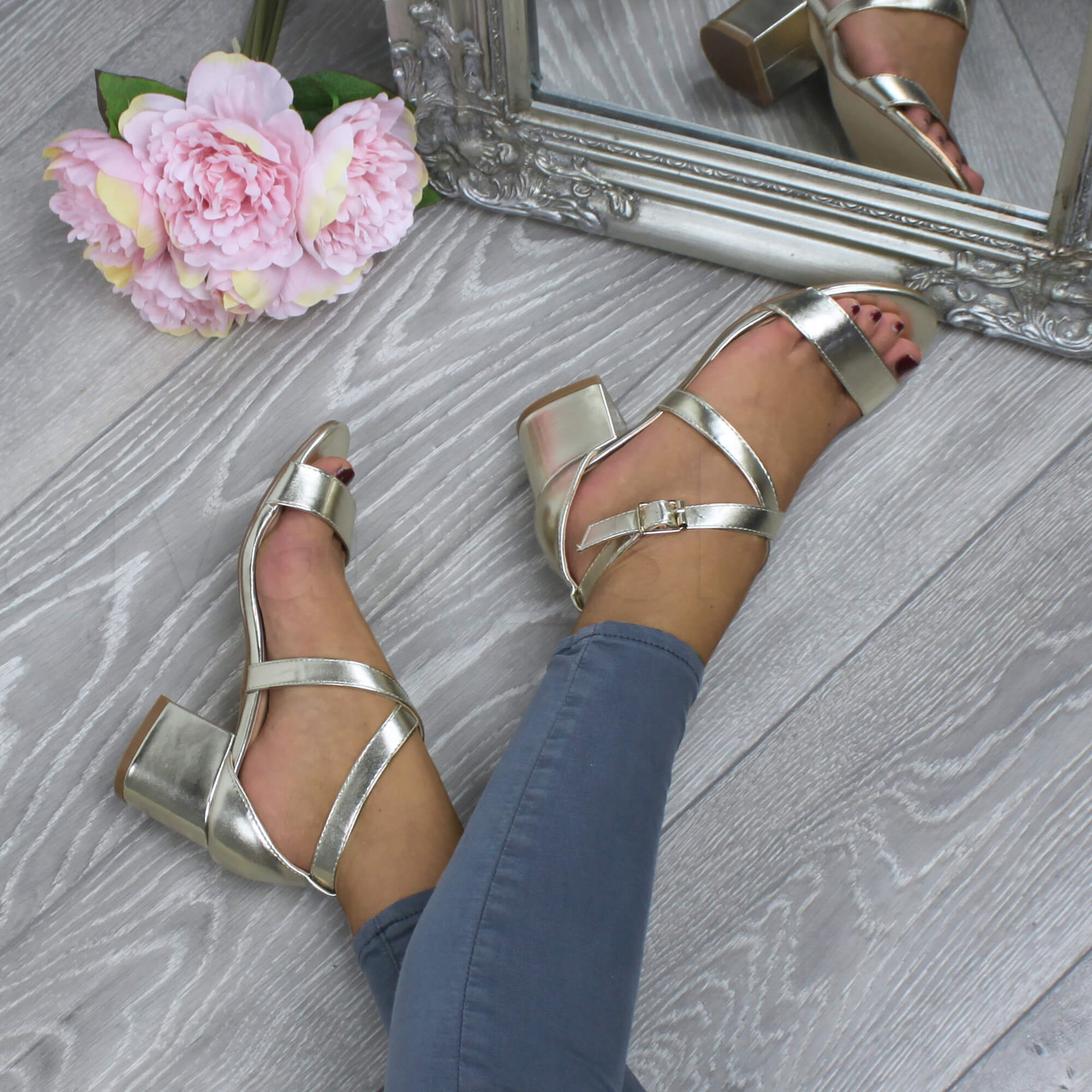 WOMENS-LADIES-MID-LOW-BLOCK-HEEL-CROSS-STRAPS-PARTY-STRAPPY-SANDALS-SHOES-SIZE thumbnail 33