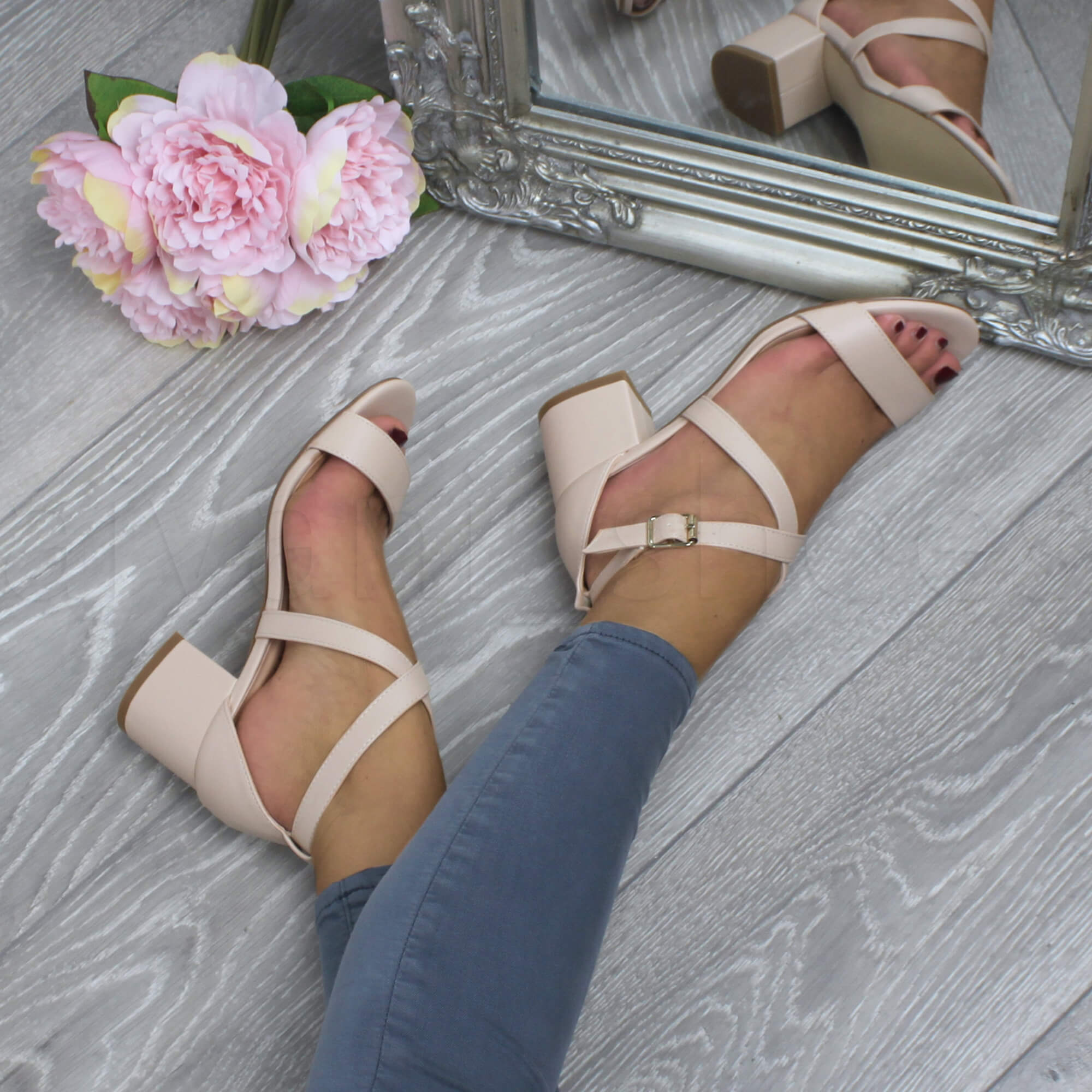 WOMENS-LADIES-MID-LOW-BLOCK-HEEL-CROSS-STRAPS-PARTY-STRAPPY-SANDALS-SHOES-SIZE thumbnail 55