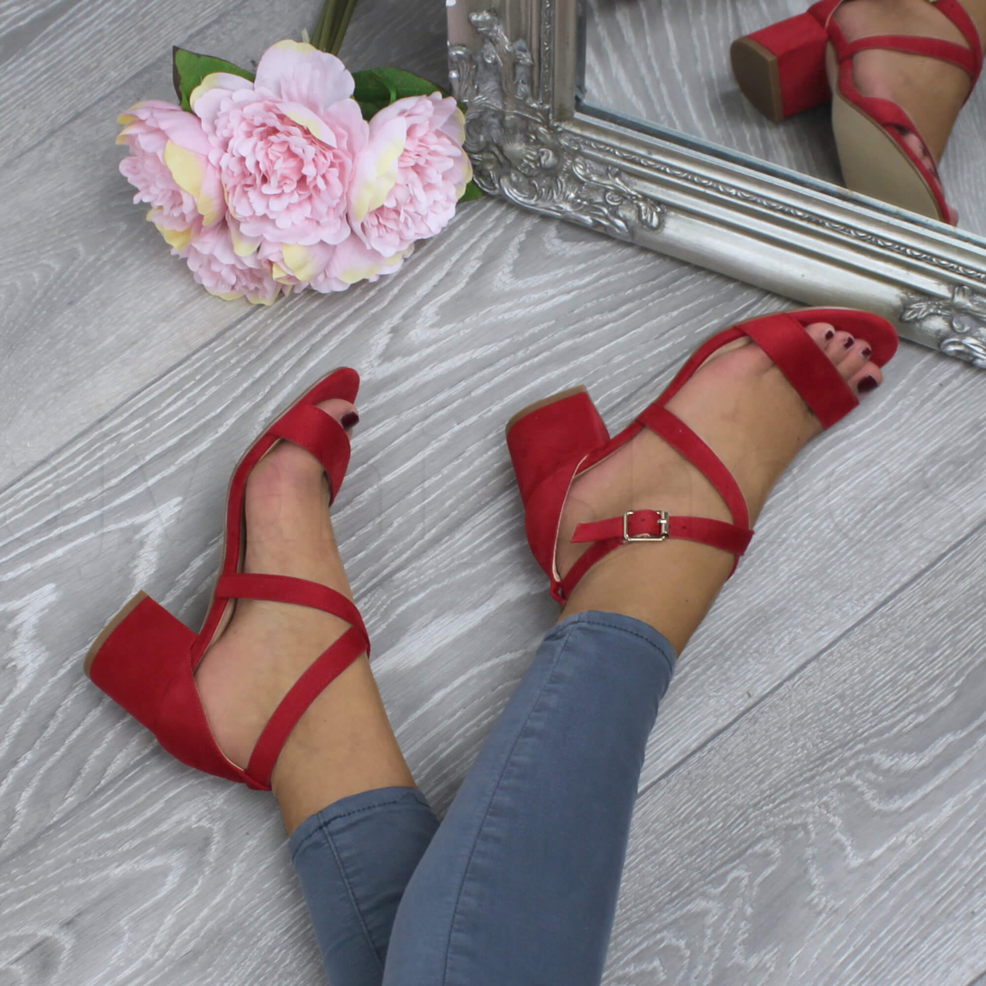 WOMENS-LADIES-MID-LOW-BLOCK-HEEL-CROSS-STRAPS-PARTY-STRAPPY-SANDALS-SHOES-SIZE thumbnail 65
