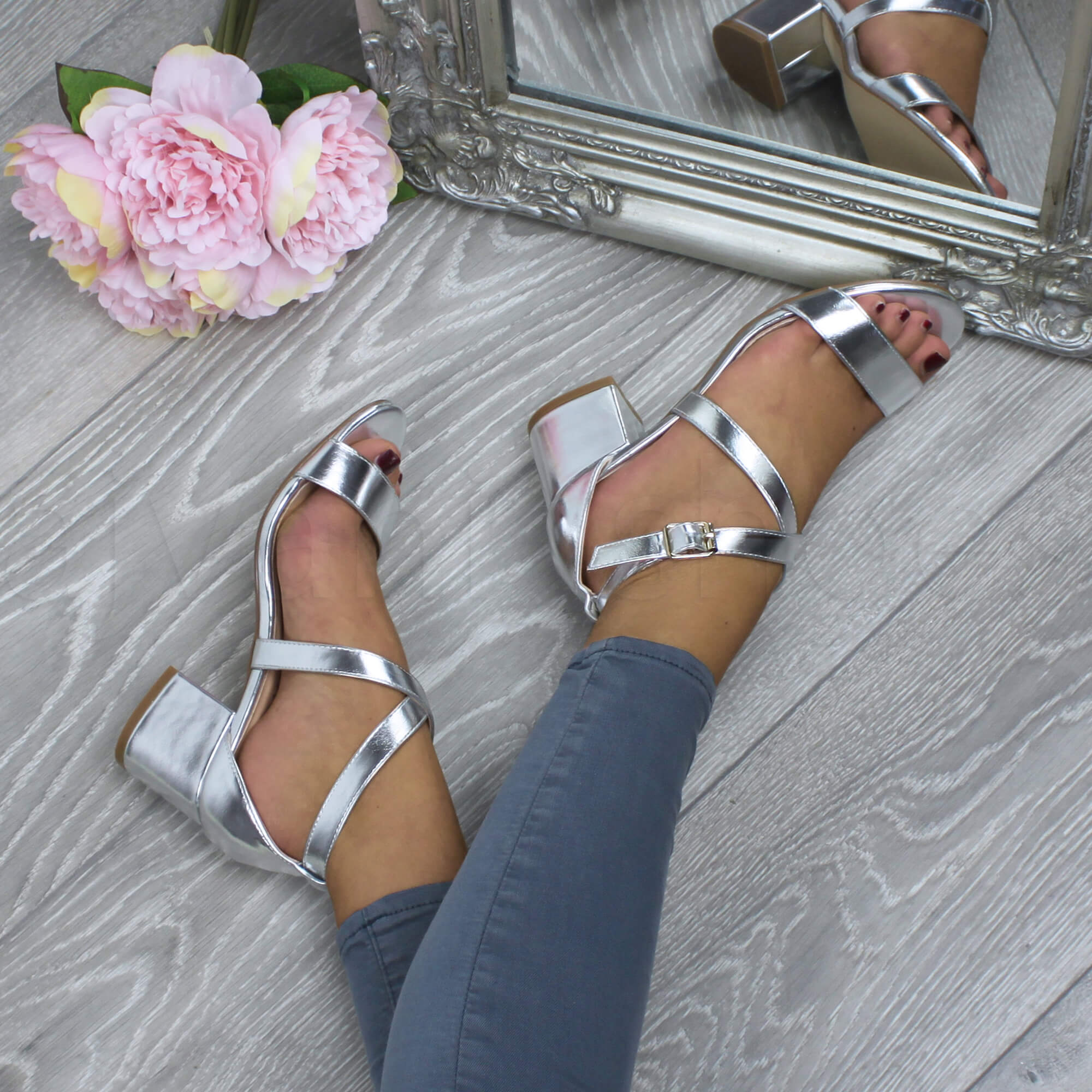 WOMENS-LADIES-MID-LOW-BLOCK-HEEL-CROSS-STRAPS-PARTY-STRAPPY-SANDALS-SHOES-SIZE thumbnail 82