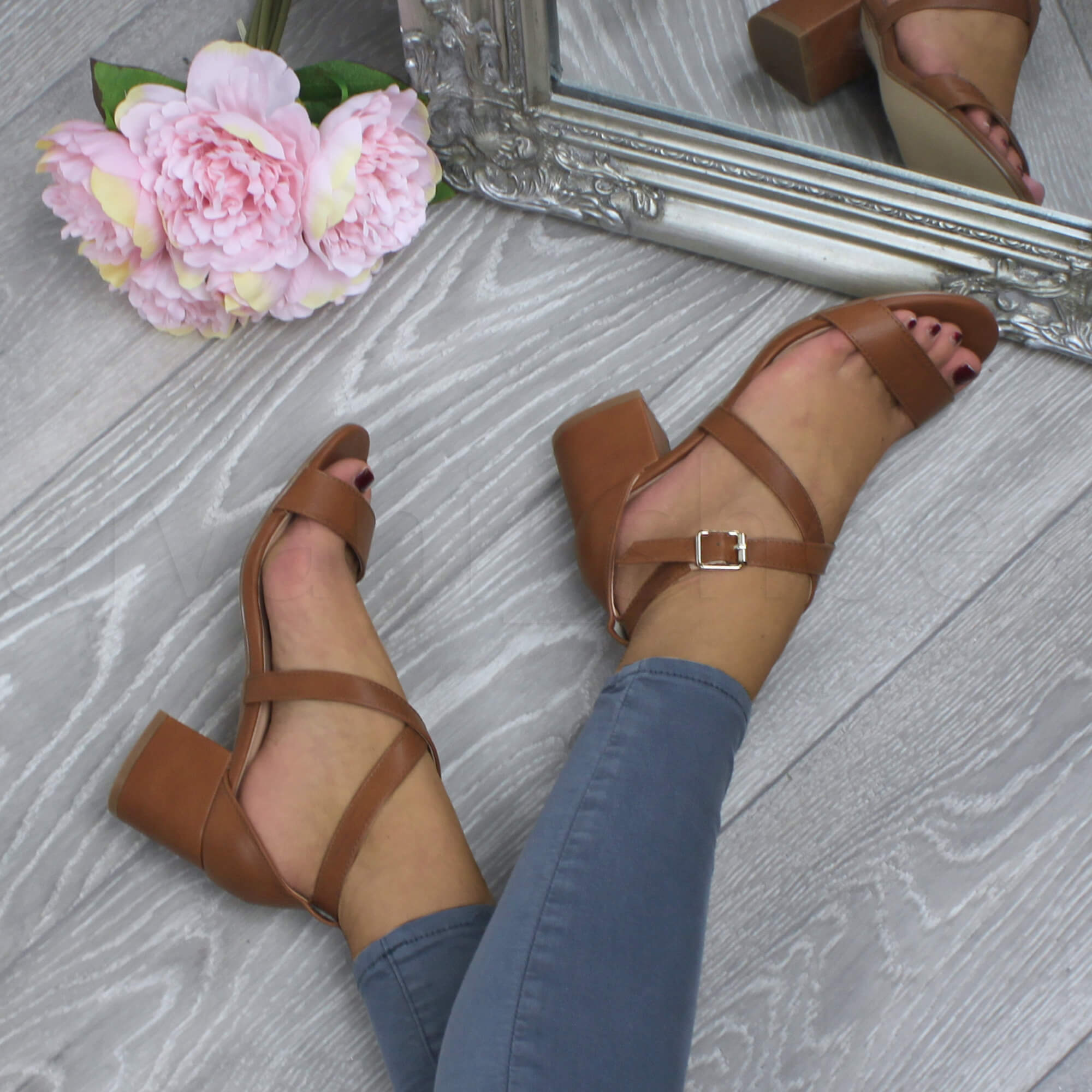 WOMENS-LADIES-MID-LOW-BLOCK-HEEL-CROSS-STRAPS-PARTY-STRAPPY-SANDALS-SHOES-SIZE thumbnail 93