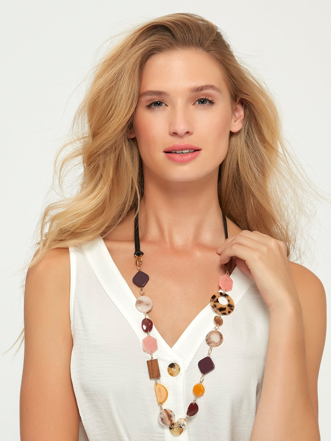 Ladies necklace in a long rope style with beads and discs  - Multicolour