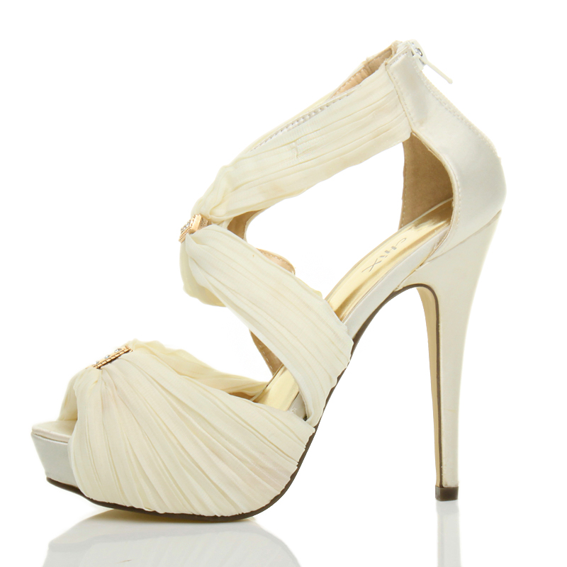 a10a0a3c18c1 ... Wedding Evening Prom High Heel Platform Sandal Bridal Shoes Size UK 7    EU 40 White. About this product. Picture 1 of 16  Picture 2 of 16  Picture  3 of ...