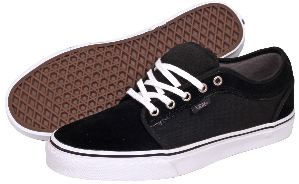vans chukka low black and white sportscafeennu