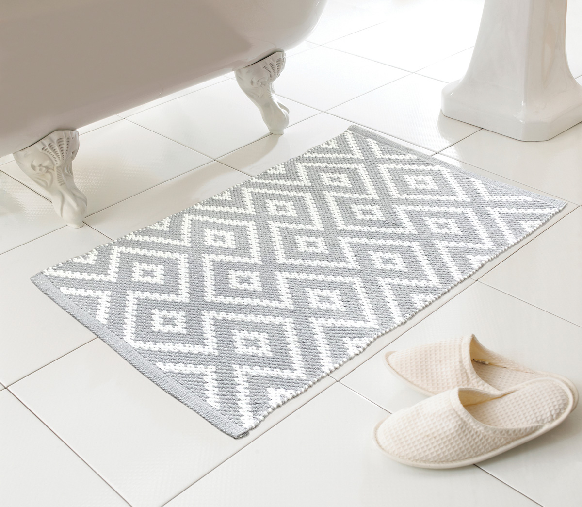 Natural Bathroom Soft Woven Non Slip Patterned Country Club Kina Bath Mat