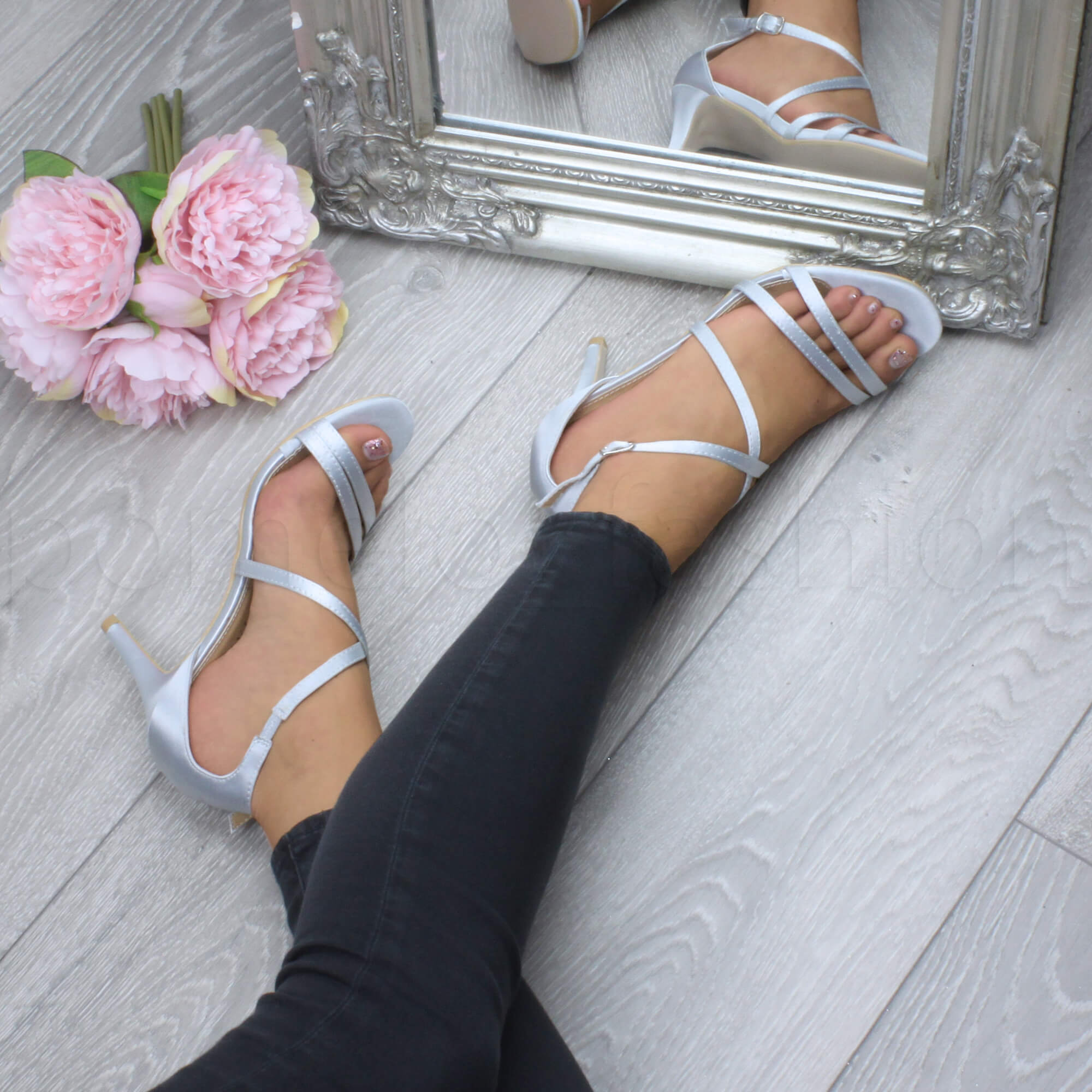 WOMENS LADIES STRAPPY CROSSOVER MID HIGH HEEL WEDDING BRIDESMAID SANDALS  SIZE Picture 2 of 7