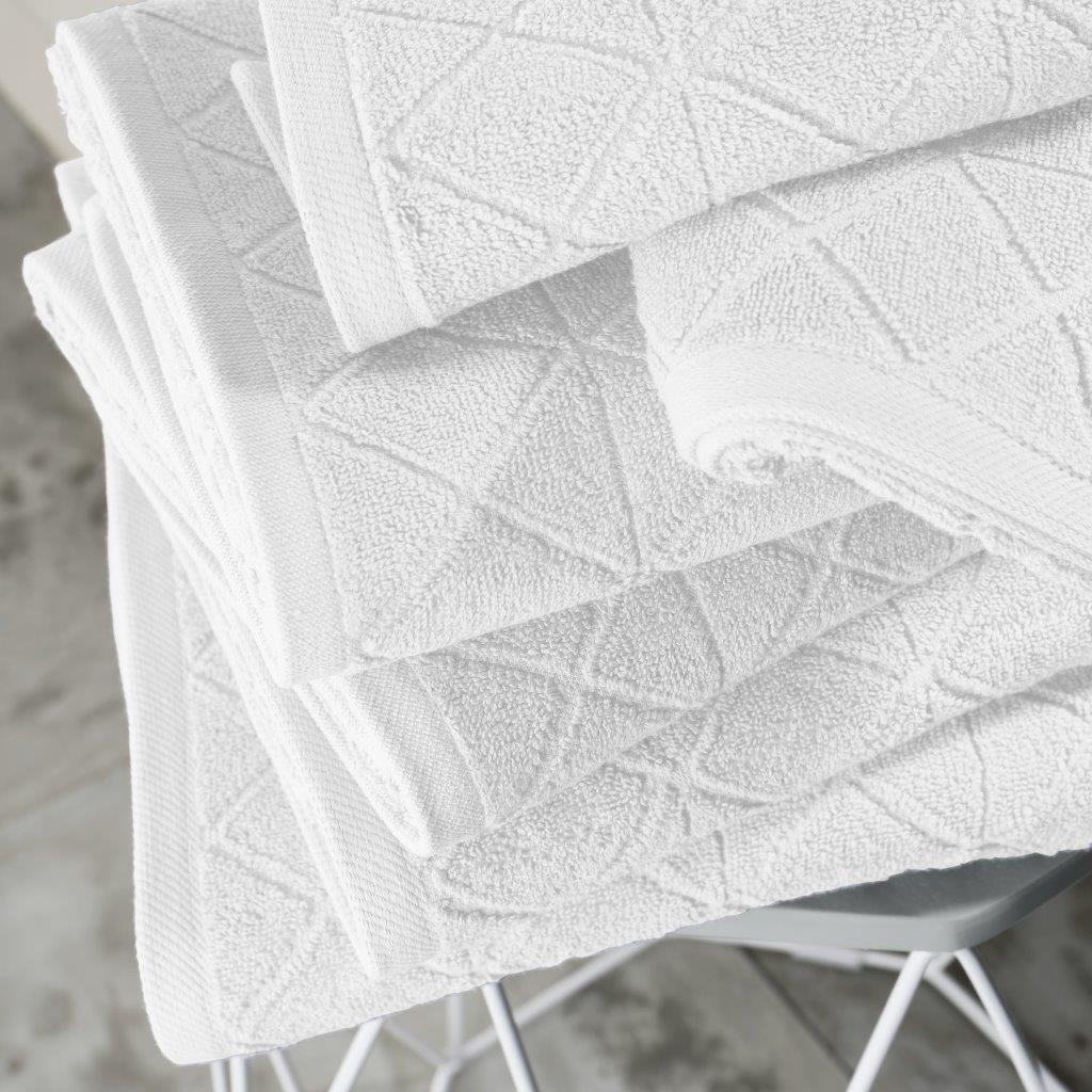 Bright Geo Grey Bath Towel 100/% Cotton Geometric Diamond Towel Soft 600GSM New
