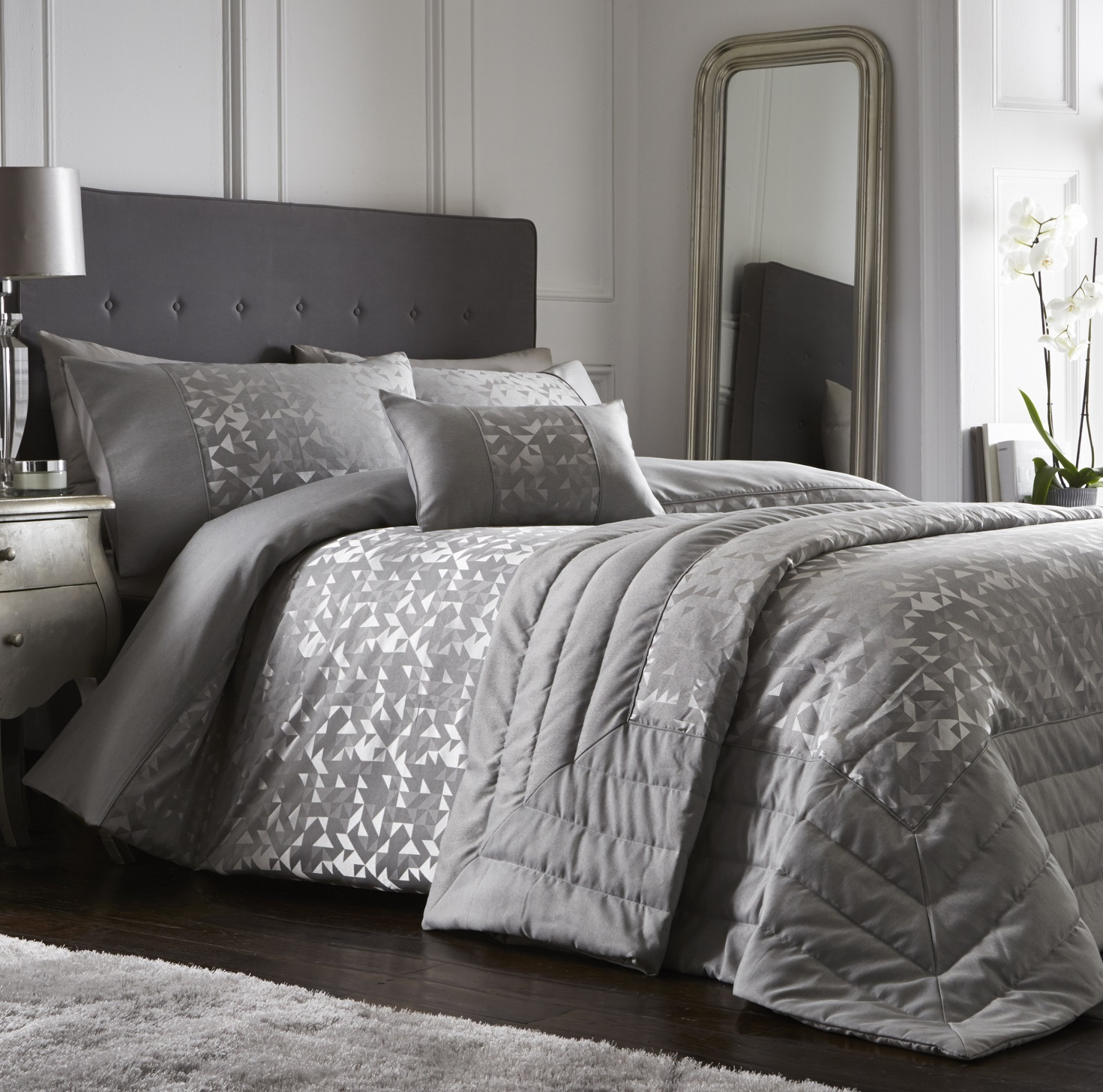Luxury Grey Silver Jacquard Duvet Cover Bedding Set with Pillowcase /& Accesories