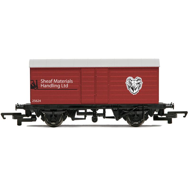 Hornby R6474 LWB Box Van