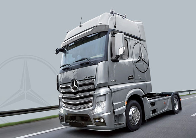 italeri 3905 mercedes actros mp4 gigaspace 1 24 truck model kit ebay. Black Bedroom Furniture Sets. Home Design Ideas