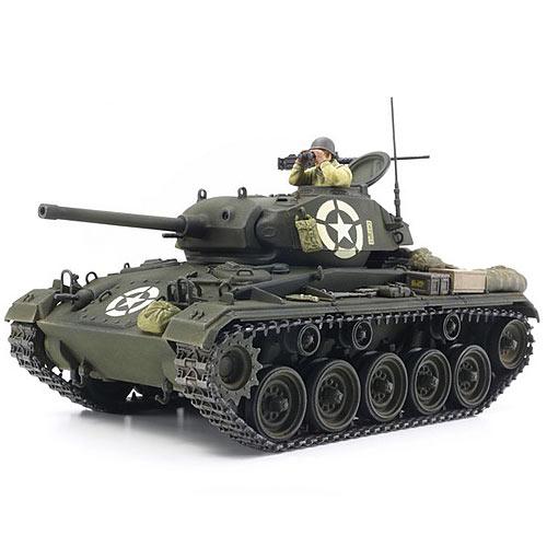 TAMIYA 37020 M24 Chaffee 1 35 Tank Model Kit