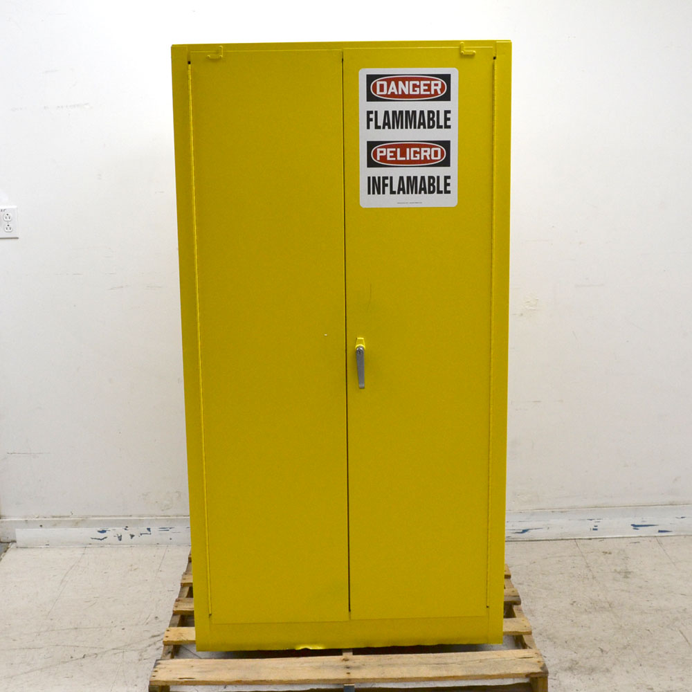 Justrite 25602 Flammable 2-Door Self Closing 60 Gallon 227 ...